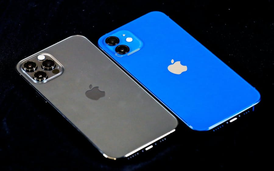 iPhone12 Pro or iPhone12
